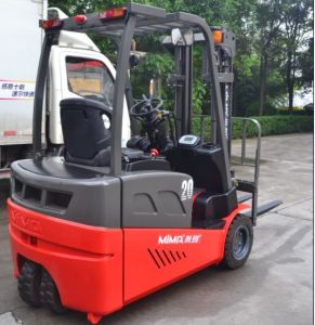 4-Wheel Electric Forklift with Good Quality Battery pictures & photos