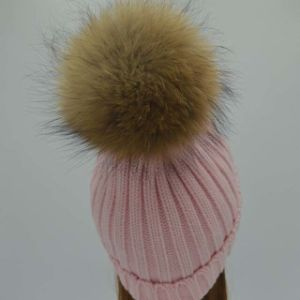 Beanie Hat with POM POM/Knitted Hat with Pompom/Winter Hats pictures & photos