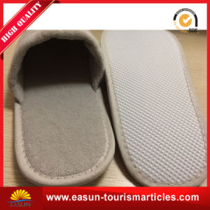 Manufacturer Wholesale Terry Cloth SPA Hotel Slippers pictures & photos