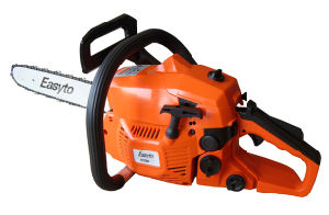 Professional Chain Saw with Two-Stroke (YD370) pictures & photos