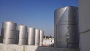 Wine Storage Tank Outside & Workshop Type (silos) pictures & photos