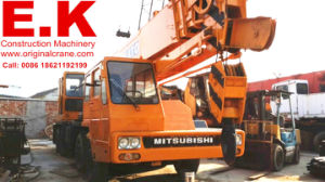 Original Japanese Hydraulic 30ton Rhd Used Kato Crane (NK300E) pictures & photos