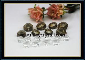 Crystal Bilateral Octagon Beads for Crystal Chandelier 2 Holes (NU-DS7510) pictures & photos