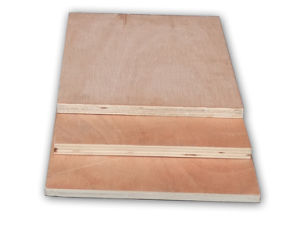 E1 Poplar Core Okoume Faced Plywood pictures & photos