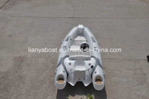 Liya 3.8m CE Certification Luxury Rigid Boat Fiberglass Hull Materials Boat for Sale pictures & photos