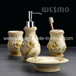 Floral Polyresin Bathroom Set (WBP0968A) pictures & photos