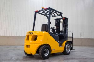 XCMG New 3 Ton China Factory Price Isuzu Engine Diesel Fork Lift Price Forklift Truck pictures & photos