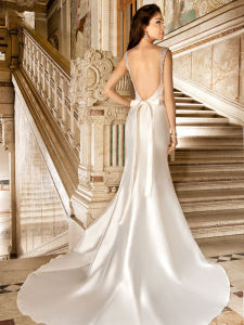 Simple Satin Bridal Gown Mermaid Backless Wedding Party Dress Lb1804 pictures & photos