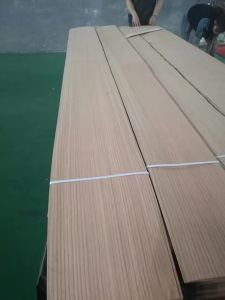 Factory-Quater Cut Natural Red Oak Veneer with Strainght Grain in 0.50mm pictures & photos