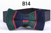 New Design Fashion Men′s Knitted Bowtie (B14) pictures & photos