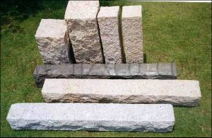 G682/G603/G654/G602/G636/Natural Split/Sawn Cut/Polished/Honed/Flamed/Bush-Hammered Granite Kerbstone pictures & photos