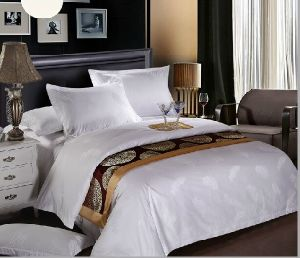 100% Cotton/Jacquard/Satin Stripe Hotel/Home Bedding Set pictures & photos