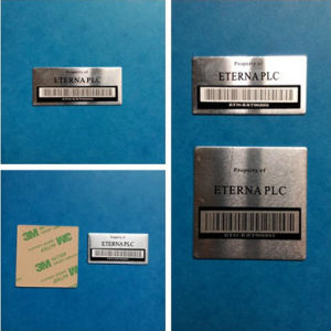 Custom Glossy Scratch Resistant Cmyk Aluminum Barcodes Sequential Numbering Stickers pictures & photos