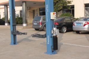 4.5t Two Post Auto Lift Hydraulic Car Hoist with Ce pictures & photos