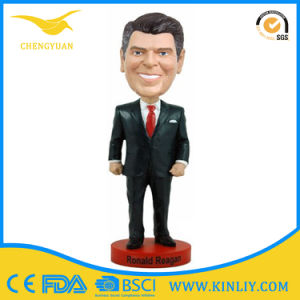 Factory Custom Resin Bobblehead Statue for Gift pictures & photos