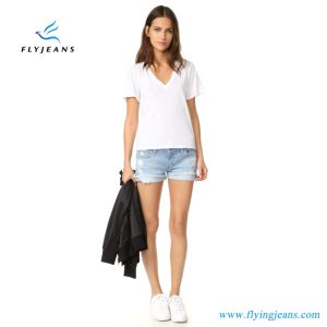 2017 Fly Jeans New Design Women Mini Pants Shredded Holes and Frayed Cuffs Denim Shorts pictures & photos