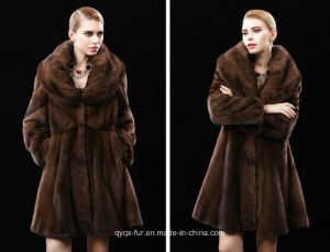 The New 2015 Natural Mink Fur Coat in Winter The Mink Fur Long Coat pictures & photos