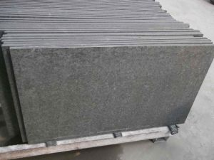 Hainan Dark Basalt Bluestone Paving Tiles Stone/Covering/Flooring/Paving/Tiles/Slabs/Kerbstone Basalt pictures & photos