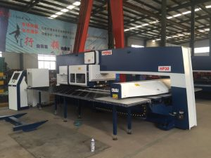 HP30 ISO9001 Machinery Metal Perforator/CNC Turret Punch Machine pictures & photos