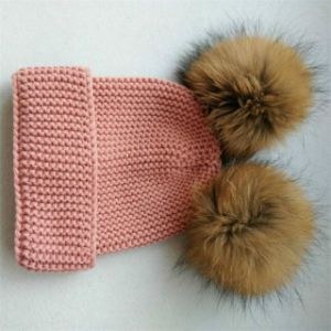 Economical Women Hat with Big Fur Ball Warm Cap Custom Knit Beanie POM pictures & photos