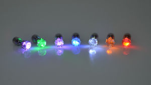 Strongly Recommend The Latest Gifts Eight Colors LED Diamond Stud Earrings pictures & photos