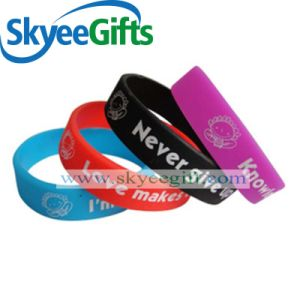 Wholesale Eco-Friendly Personalized Custom Printed Silicone Bracelet pictures & photos
