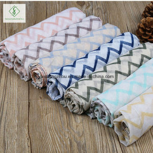 2017 New Design Printed Viscose Shawl Fashion Lady Scarf Factory pictures & photos