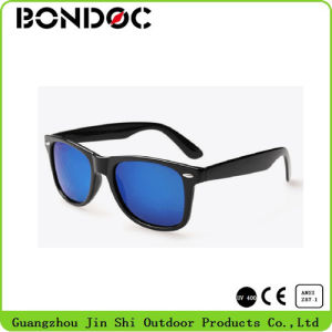 Printed Logo Plastic Glasses Colorful Sunglasses pictures & photos