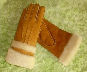 Double Face Sheepskin Women Winter Gloves pictures & photos