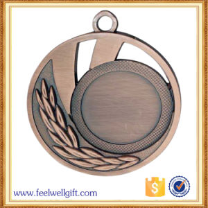 Metal Crafts Production Zinc Alloy Blank Brass Award Metal Sport Medal with Ribbon pictures & photos