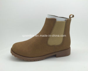 Comfortable Brown Color for Girls Ankle Boots pictures & photos