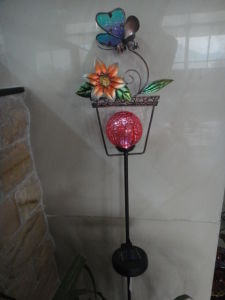 Metal Flowerpot Shape Crafts with Solar Lights pictures & photos