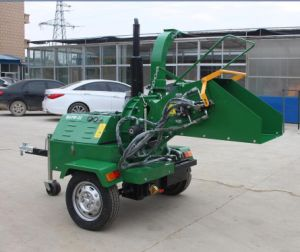 Double Hydraulic 22HP Self Powered Wood Shredder Dwc-22 pictures & photos