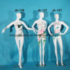 Fashion Full-Body Female Mannequins for The Window Display pictures & photos