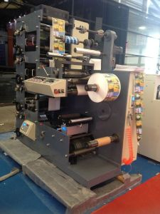 Rtry-420c 3 Color Letterpress Flexography Paper Roll Printing Machine pictures & photos
