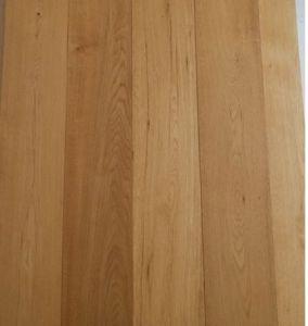 Natural Color Oak Wood Floor /Engineered Wooden Flooring pictures & photos