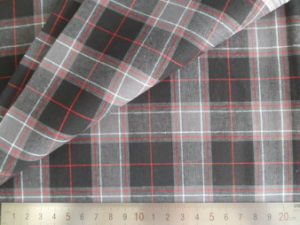 Black/Grey/White Checks 125GSM 100% Cotton Yarn Dyed Fabric pictures & photos