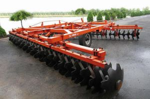 Chinese Famous Heavy-Duty Disc Harrow pictures & photos