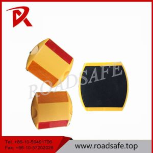 Bright White Reflector Plastic Road Marking Raivse Stud pictures & photos