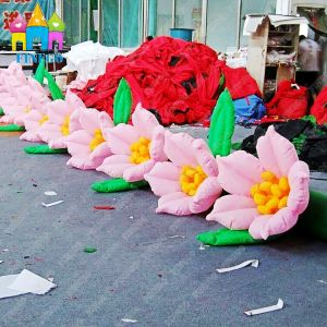 Finego 10m Large Inflatable Decorative Flower Chain for Wedding Decoration pictures & photos