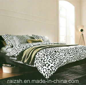 Best Selling Products New Design Soft and Comfortable Bedding Set 100% Polyester pictures & photos