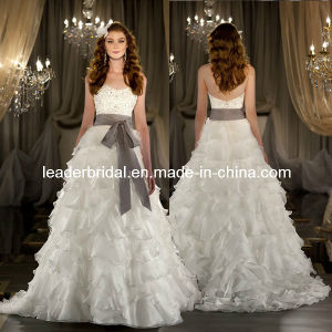 Tiered A-Line Sweetheart Gray Sash Beads Wedding Gowns H13348 pictures & photos