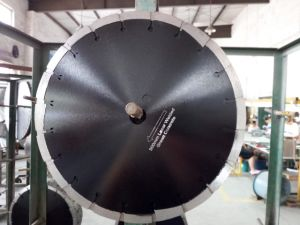 300mm Green Concrete Cutting Blade: Diamond Saw Blade pictures & photos