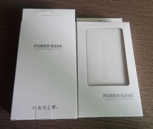 2017 Hot Sale Discount Portable Slim Power Bank Charger with Customized Logo pictures & photos
