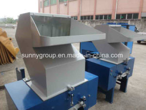 Ce Approved Soundproof Plastic Granulator Machine pictures & photos