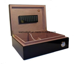 2017 Hot Sale Cigar Case/ Cigar Box / Cedar Box /Leather Cigar/ Wooden Cigar (LW-03102) pictures & photos