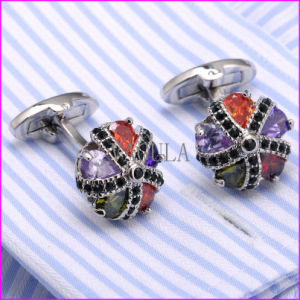 Fashion Zircon and Rhinestone High Quality Cufflink pictures & photos