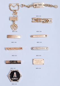 Fashion Decorative Alloy Label pictures & photos