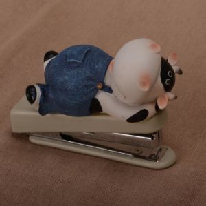Wholesale Funny Cow Shaped Books Stapler Machine for Kids pictures & photos