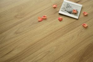 12mm Hosehold/Commercial/Sports Laminate Flooring pictures & photos